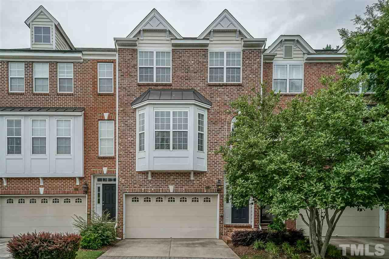 Newly Renovated Immaculate 4 Bedroom Townhome