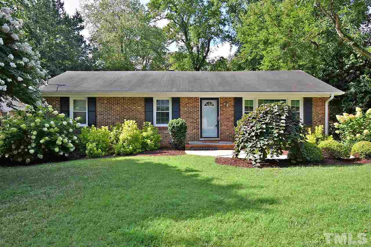 Beautiful all brick ranch in Northwood! Minutes from North Hills, Dining, Shopping, and easy access to 440.