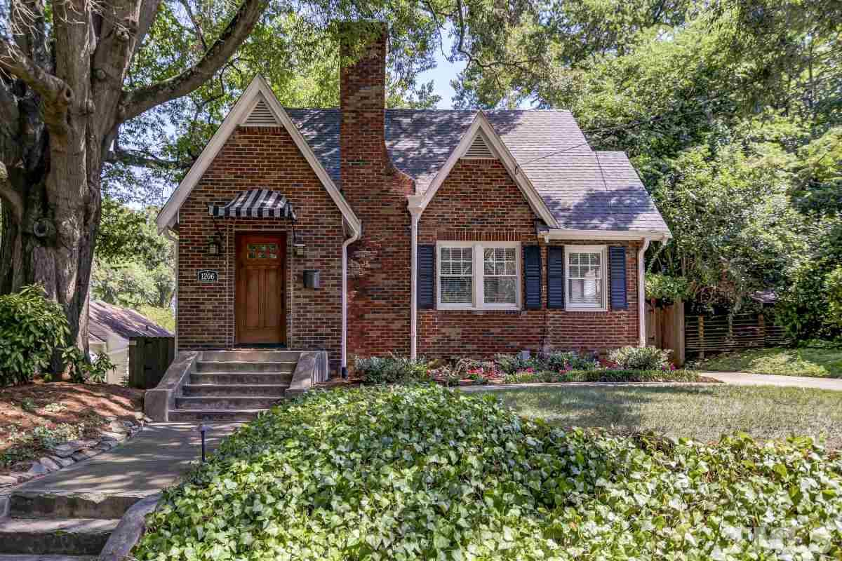 Property for sale at 1206 Courtland Drive, Raleigh,  North Carolina 27604