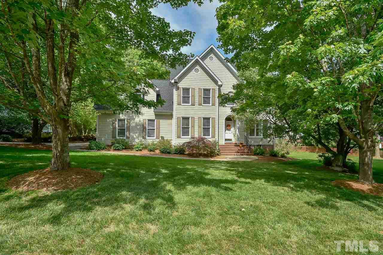 Property for sale at 203 Farmhouse Drive, Chapel Hill,  North Carolina 27516