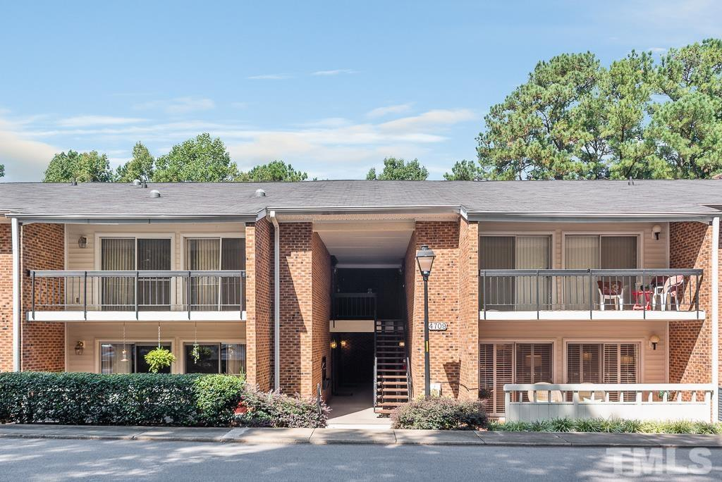 4709 Edwards Mill Road E, Raleigh, NC 27612