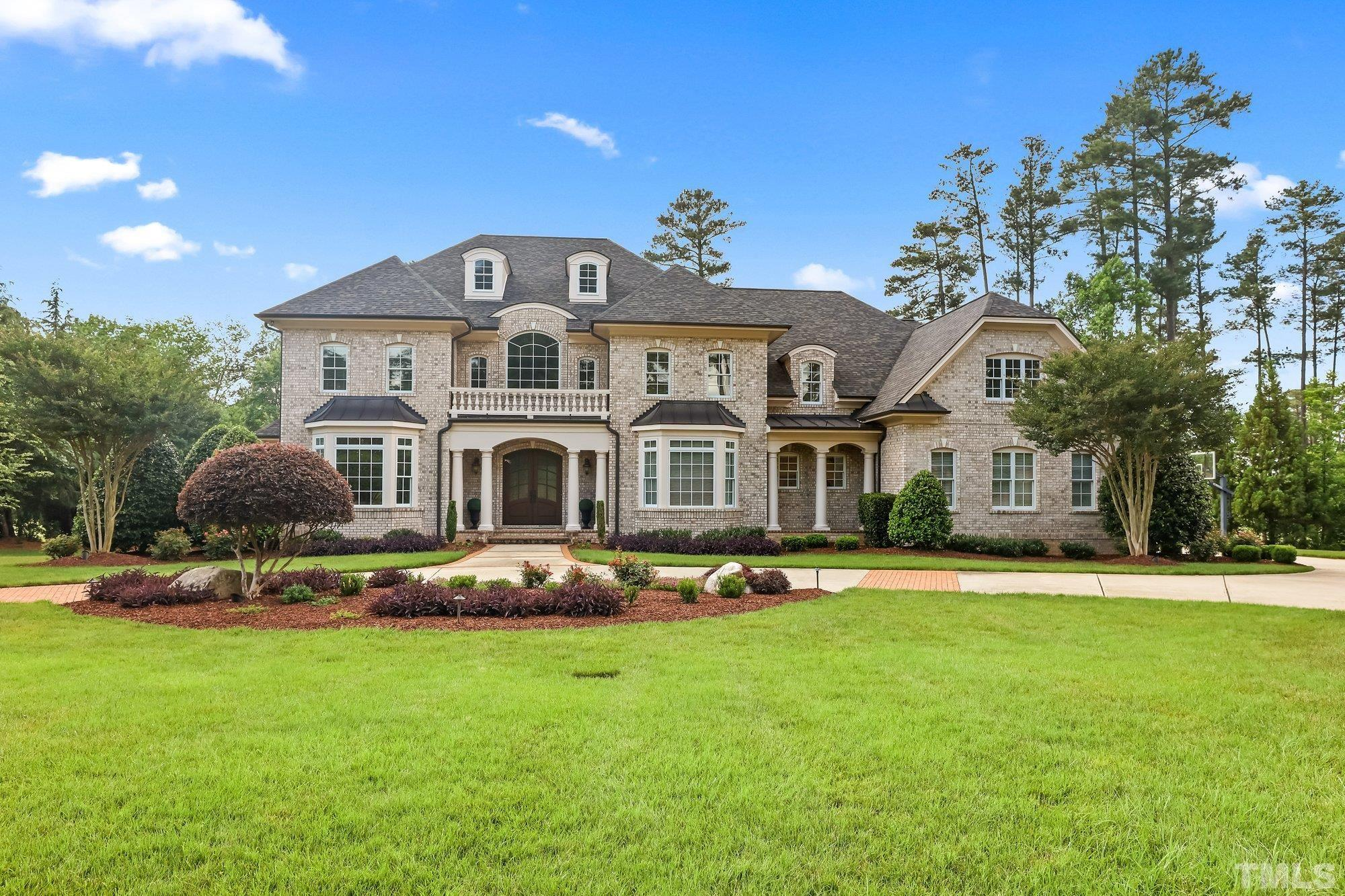 Exceptional 1 acre Golf Course Estate, 5th hole/Highlands in sought after Preston. Rare opportunity to own executive home with unparalleled golf course views. Meticulously maintained, new roof/paint-2020. Open fl plan with gourmet kitchen/large island! 1st fl office.Screened porch. 6B/6Ba on 2nd floor. Finished W/O basement opens to beautiful new stone patio. Theater room. Bar. Guest suite. Enjoy sunsets from multi level outdoor space. 4 car garage. Prime location