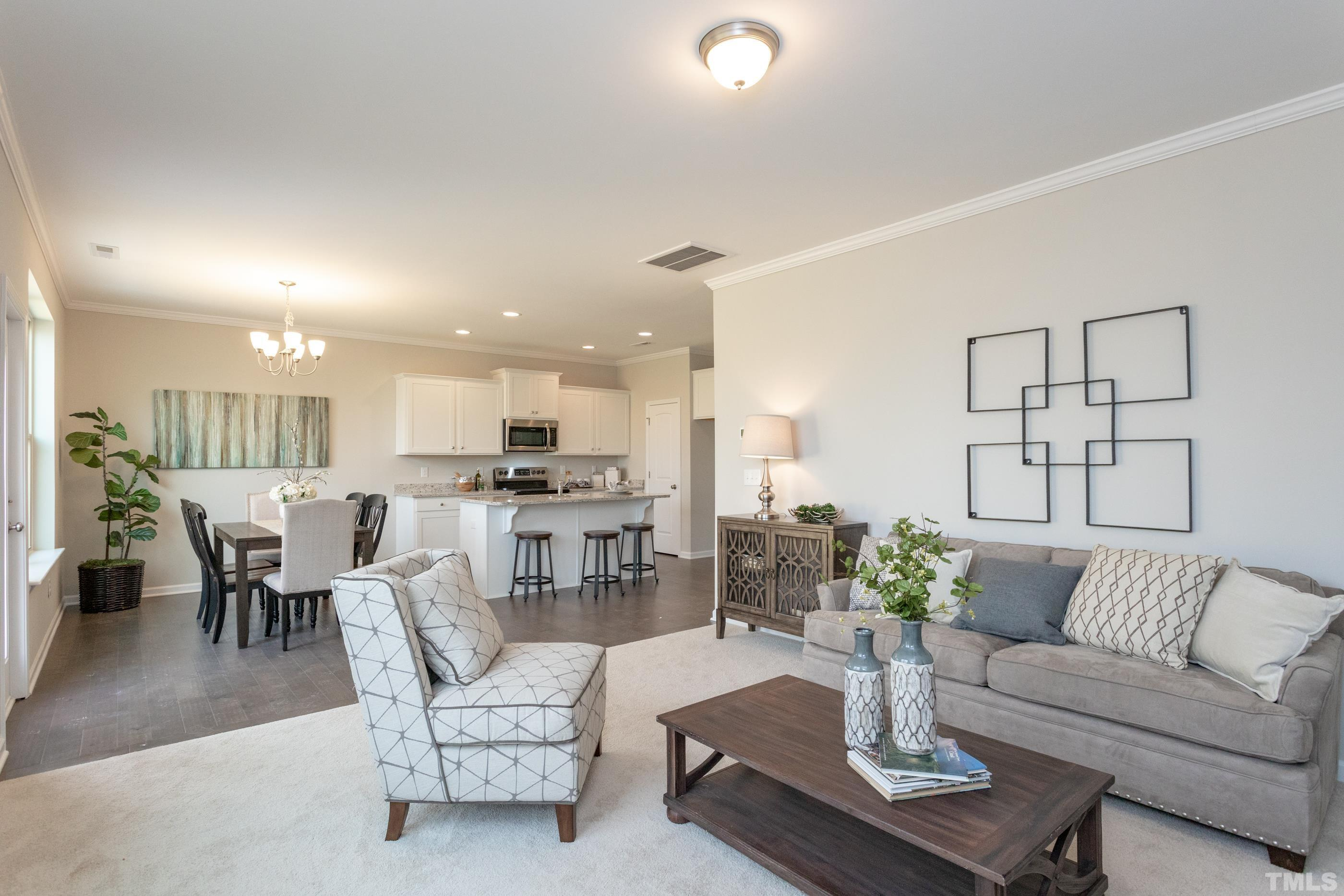 Images of model home, fits and finishes vary by community.
