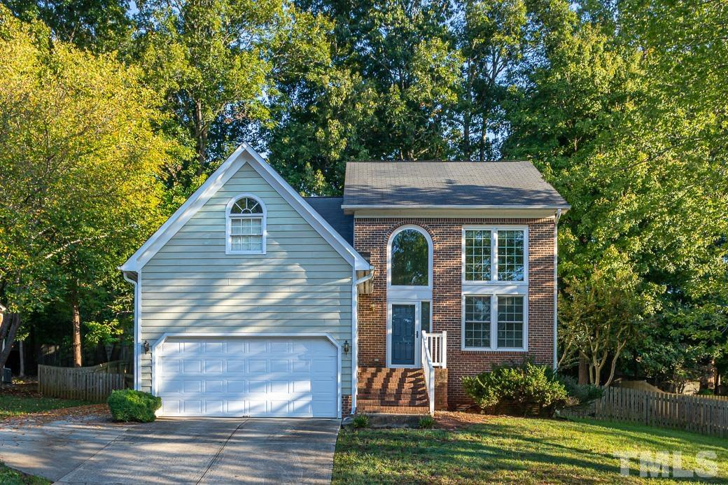 Welcome home to 3308 Stone Castle Court! Wonderful North Raleigh location, 3 bedrooms and a loft area, open floor plan.